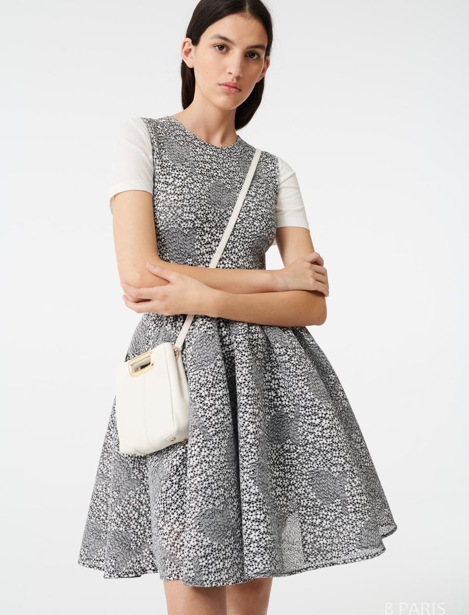 Robe patineuse en maille florale brodée